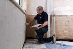 Applying Dryzone Damp-Resistant Plaster