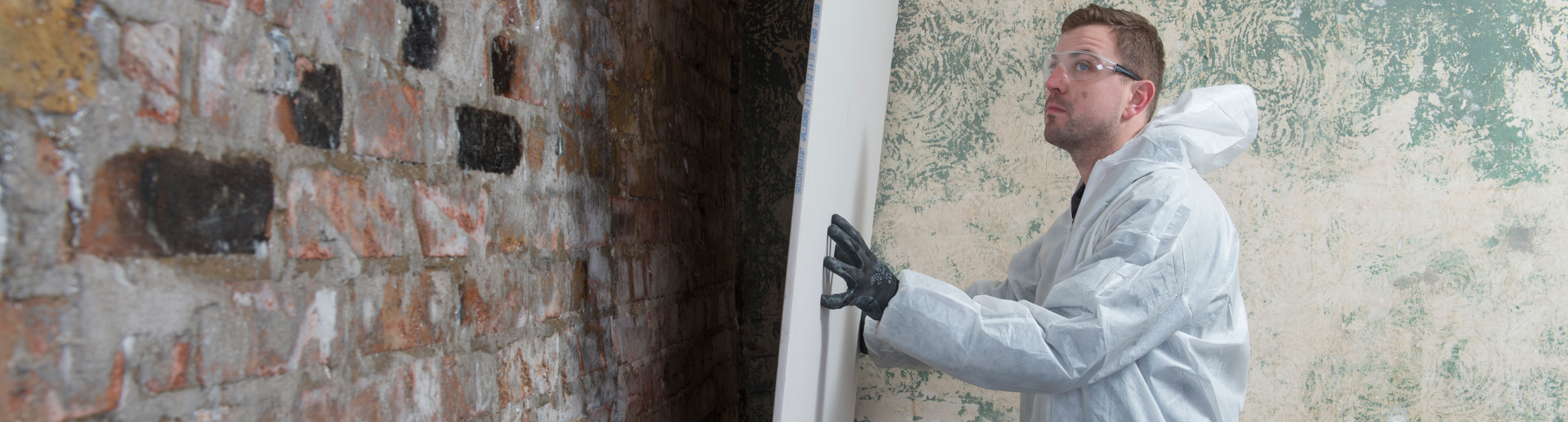 Part 4: Replastering Following Insertion of a Damp‐Proof Course