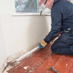 Remove architraves and skirting boards