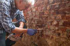 Treating rising damp with Dryrods