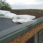 Soil and fleece on the roof