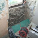 Wall affected by penetrating damp